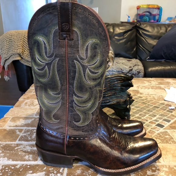 9e94849df04 Ariat NWOT size 9 EE NWT